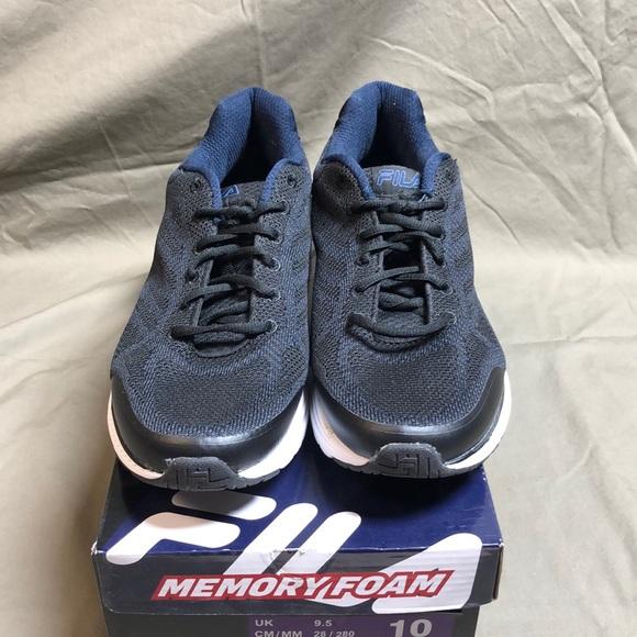 4c0e3d174c39 NIB Men s FILA Memory Startup Sneakers